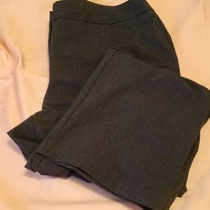 EUC Chico's 2.5 short gray straight leg dress pant